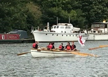Students in Great River Race
